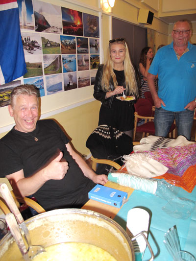 Hjalti Gardarsson byr på kjøtsuppe frå Island